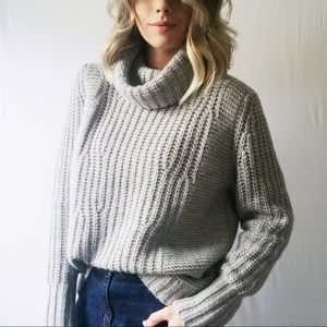 Banana Republic Italian Yarn Grey Thick Sweater